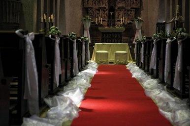 Kirchen Und Aussendekoration Fur Hochzeiten